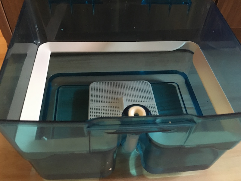 AquaBox mit Wasser Staubsauger